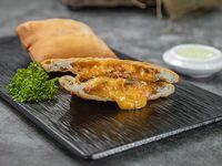 Empanada Panameña de Cheddar, Bacon y Cebollina 2 Unidades