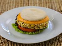Burger cheddar veggie con guarnición