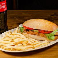Combo chicken sándwich - Sándwich de pechuga + papas fritas + refresco 500 ml