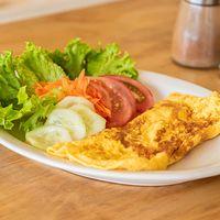 Omelette de puerro y champignon con ensalada fresca