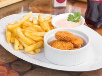 Promo - 6 nuggets de pollo + 1/4 papas fritas + bebida 500 ml