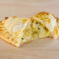Empanada cuatro quesos (14 cm)