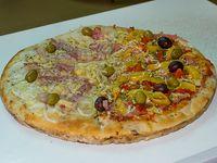 Pizza mitad y mitad grandes