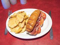 Sándwich de jamón crudo, queso y tomate