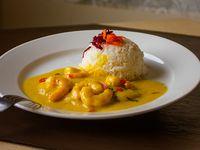 Pescado en salsa de camarones