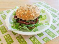 Sándwich veggie burger con lentejas