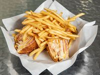 Club sandwich con con acompañamiento
