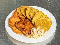 Pechuga de pollo al grill con acompañamiento