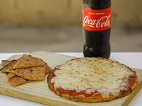 Combo 5 - Pizzeta muzzarella + 2 Fainá + bebida línea Coca-Cola 1.5 L