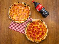 "Promo tri-combo - 2 pizzas medianas (12"") a elección + soda 1 L"