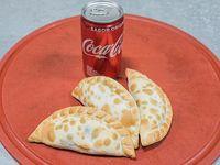 Promo - 3 empanadas + gaseosa línea Coca Cola 220 ml