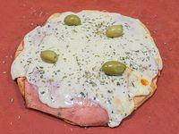 Pizza con jamón chica