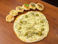 Promo 4 -2 pizzas de muzzarella + 4 fainá