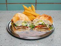 Sándwich de milanesa de pollo especial