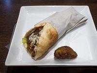 Sándwich Falafel con Ensalada de Tabule + Puré de Hummus + Agua Mineral + pan arabe