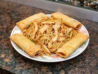 Combo - Fideos al wok con pollo + 4 arrolladitos o 2 Coca Cola mini