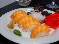 Nigiri de salmón (5 piezas)