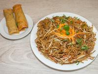 Combo ejecutivo vegano - Chao mien con tofu + 2 arrolladitos de verdura + salsa a elección