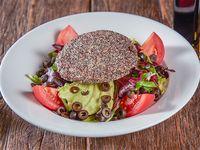 Ensalada de hamburguesa de quinoa