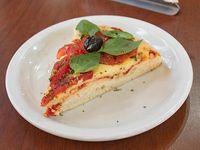 Porción de pizza napolitana