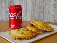 3 empanadas + Coca cola