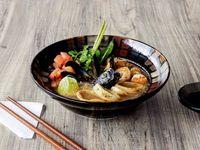 Sopa Thai de Mariscos