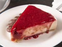 Cheesecake coco tostado con frutos rojos vegano
