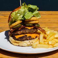 Burger belfast big con papas fritas