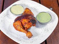 1/4 pollo + 2 salsas personales sin guarnición
