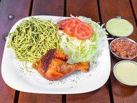 1/8 TGC brasa - 1/8 de pollo + 2 guarniciones personales a elección + 2 salsas personales