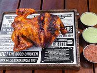 Pollo entero + 2 salsas familiares