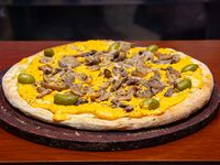 Pizza con cheddar y champignones