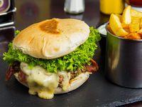 Sándwich de pollo, queso y champignon