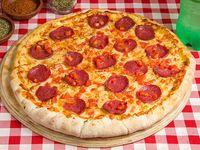 Combo 3 - Pizza familiar (38 cm)  + bebida 1.5 L