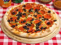 Combo 1 - Pizza mediana (28 cm) + 2 bebidas 350 ml