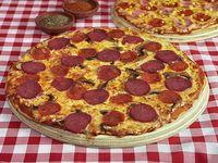 Promoción 2 - Una pizza familiar (38 cm) + una pizza mediana (28 cm)