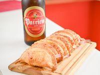 Promo - 8 empanadas + cerveza Patricia 1 L