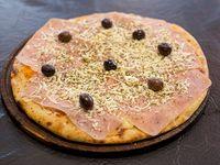 Pizza de roquefort con jamón