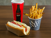 Perfect combo - Papas fritas 10 oz +  premium hot dog + soda 16 oz