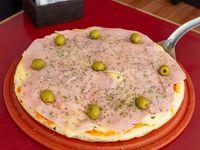 Pizza con jamón (8 porciones)
