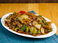 Carne con vegetales chinos