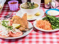 Menú Sábado - Pescado frito + ensalada + sopa de mariscos + bebida