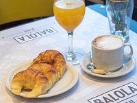 Combo - Café con leche + 3 medialunas + jugo de naranja