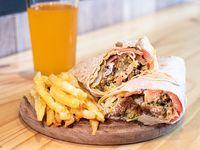 Combo 1 - Sándwich de falafel + papas fritas