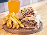 Combo 4 - Sándwich de shawarma + papas fritas