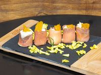 Geishas de salmón ahumado (5 unidades)