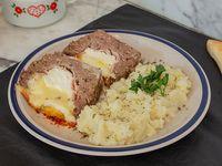 Pan de carne relleno con puré de papas