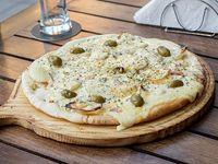 Pizza fugazzeta al roquefort a la piedra