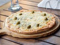 Pizza 4 quesos a la piedra