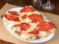 Pizza con muzzarella y peperoni